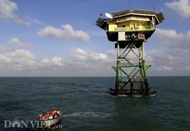 Ảnh: Nhà giàn DK1- cột mốc chủ quyền quốc gia nơi đầu sóng ngọn gió - 1