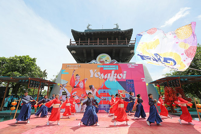 Exploding with a year-round festival in Ha Long - 2