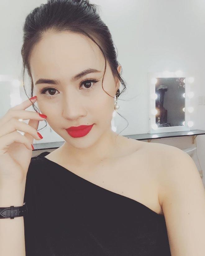 """Sau tin đồn chia tay Nhật Lê, Quang Hải liên tục """"thả tim"""" cô gái Sài thành này - 8"""