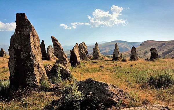 """Bí ẩn thách đố nhân loại về """"thạch trận"""" 7.500 năm tuổi - hình ảnh 1"""