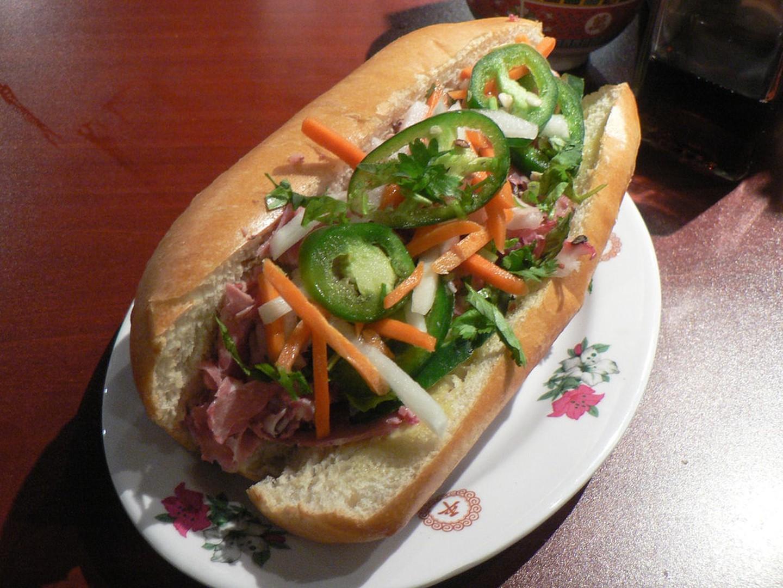 12 1565953389 847 width1440height1080 20 món ăn ngon nhất Việt Nam được báo Tây ví như hương vị thiên đường