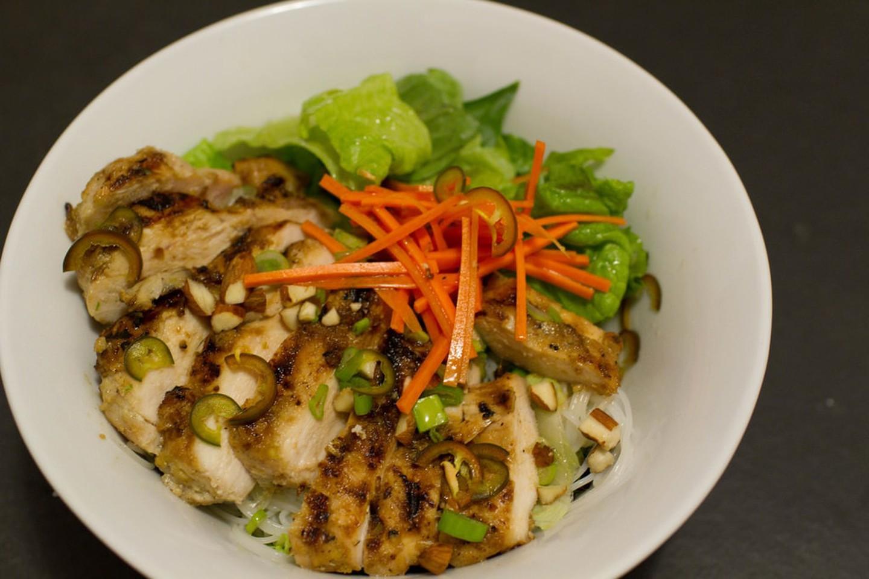 8 1565953389 535 width1440height960 20 món ăn ngon nhất Việt Nam được báo Tây ví như hương vị thiên đường