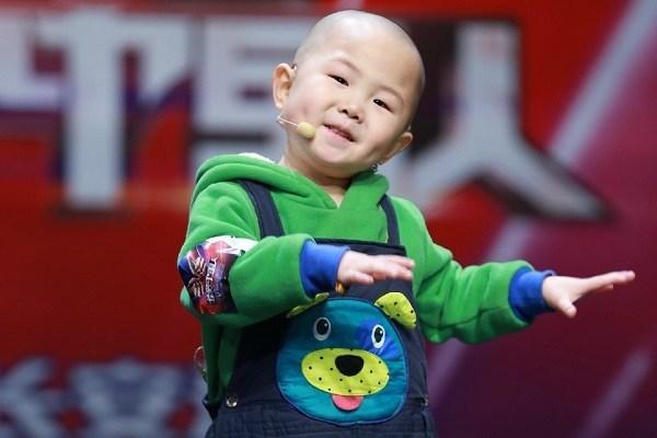 'Thần đồng Trung Quốc' kiếm hàng nghìn USD/năm: Hối hận vì bỏ học, mải kiếm tiền