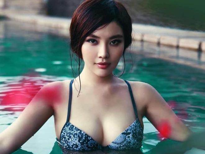 'Bom sexy' đóng Tiểu Long Nữ bị phản đối vì khoe thân, ồn ào bán dâm - 2