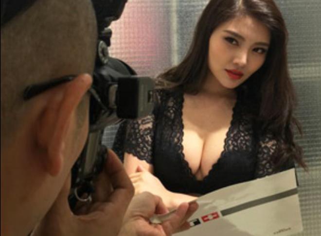 'Bom sexy' đóng Tiểu Long Nữ bị phản đối vì khoe thân, ồn ào bán dâm - 7
