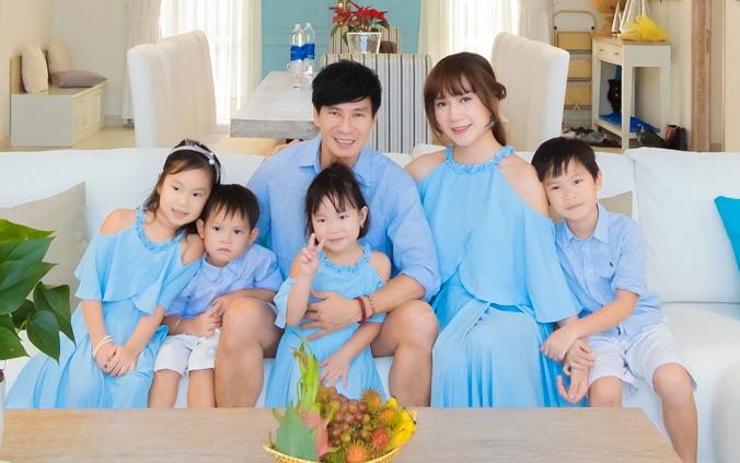 Nhìn bà xã Lý Hải xinh đẹp thế này, ai nghĩ đã là mẹ 4 con? - 1
