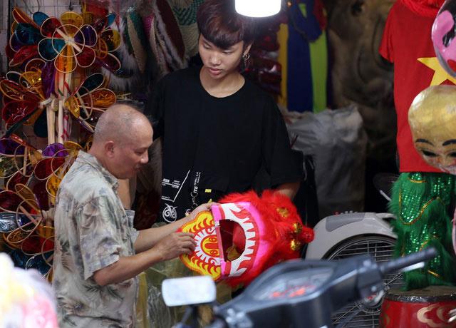 """Đồ chơi """"made in Việt Nam"""" bất ngờ lấn át Trung Quốc tại Hàng Mã trước mùa Trung thu - 12"""