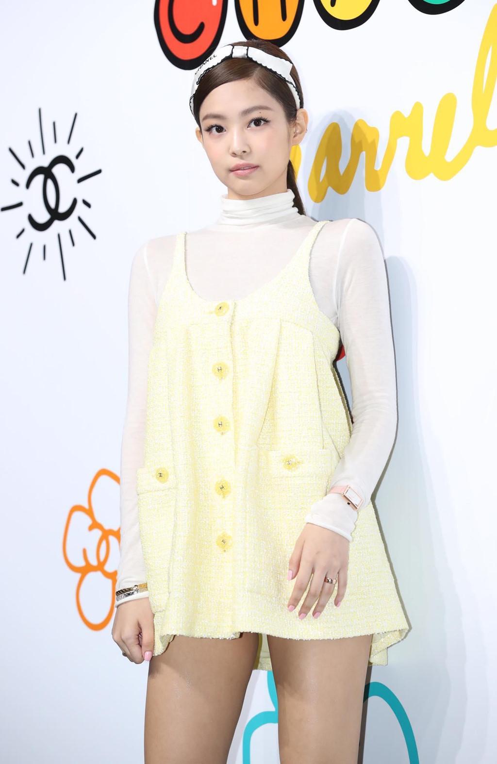 """""""Người đẹp sang nhất xứ Hàn"""" bị chê bai vì bộ đồ xanh nõn chuối - 6"""
