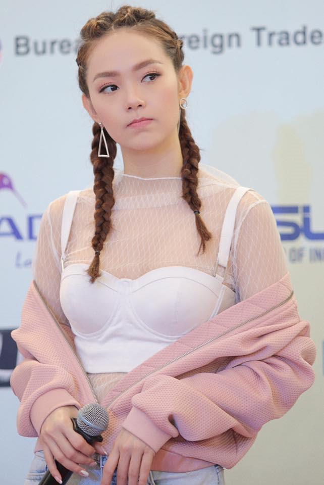 Bộ ảnh thời trang diện váy ngủ khoe vẻ đẹp tuổi thanh xuân của Minh Hằng - 9