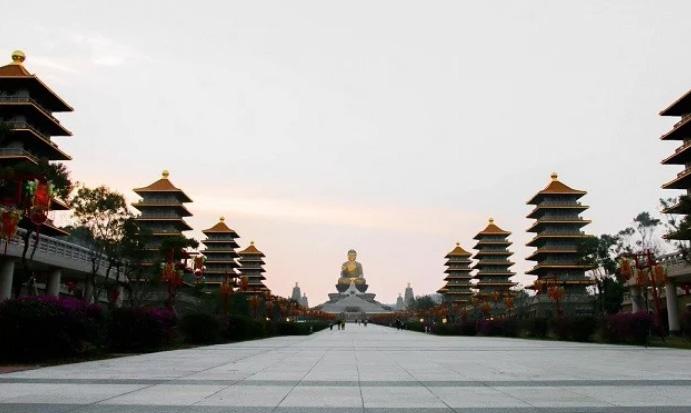 Nghỉ lễ sắp tới còn chưa biết đi đâu, hãy ghé ngay Cao Hùng, Đài Loan - 8