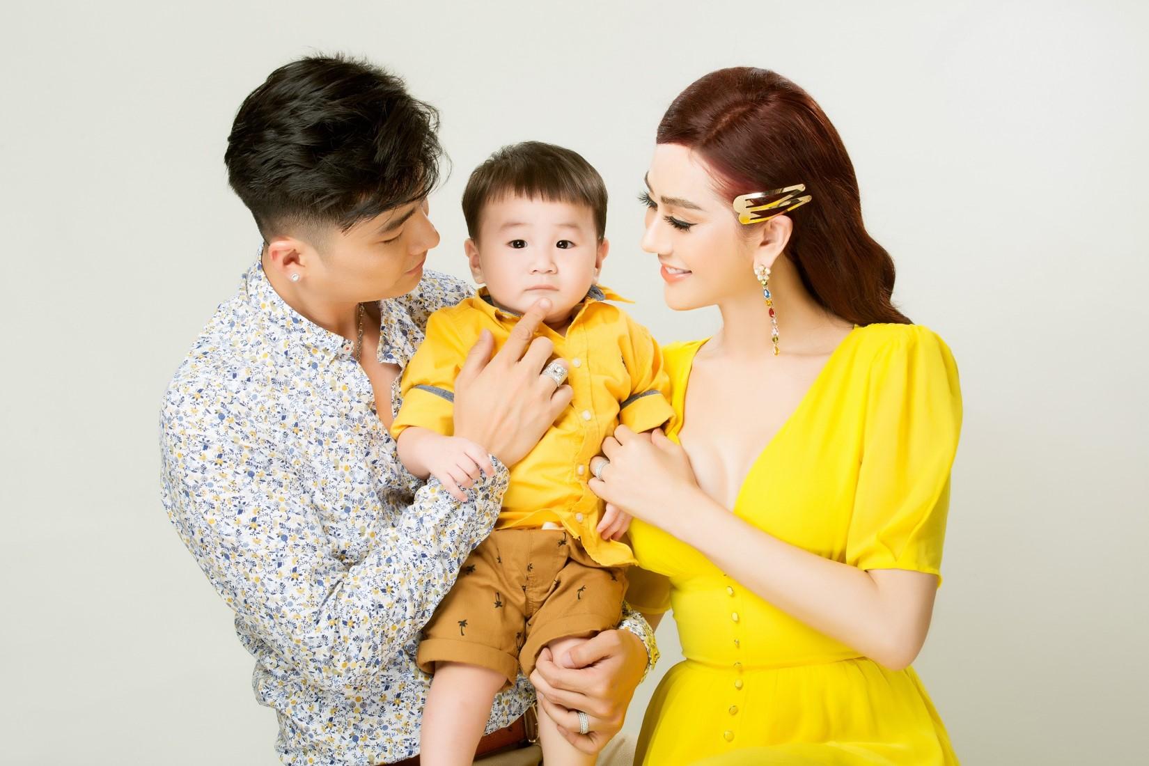 Vợ chồng Lâm Khánh Chi lần đầu chụp bộ ảnh cùng con trai nhờ người mang thai hộ - 9