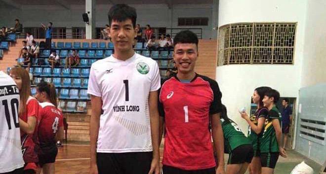 """Xôn xao bóng chuyền Việt: Cầu thủ 2m10 nhảy tới """"nóc nhà"""" đập bóng ra sao? - 1"""