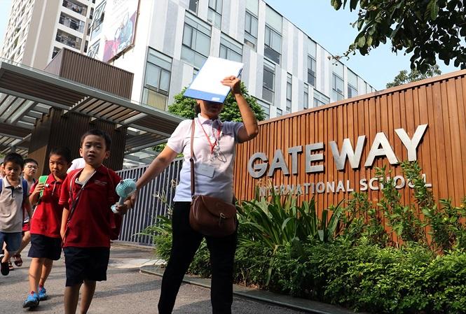 Thêm nhiều tình tiết bất thường vụ bé trai Trường Gateway tử vong - 1