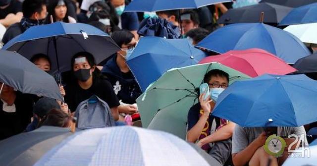 Nhà giàu tháo chạy khỏi Hong Kong