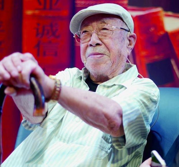 Gần 100 tuổi, 'Diêm Vương' của Tây Du Ký vẫn vui khỏe sau 2 lần mắc ung thư - 5