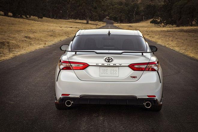 Toyota Camry TRD 2020 chính thức công bố giá bán rẻ bất ngờ - 4