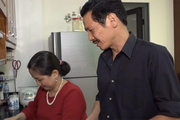 """Người phụ nữ tần tảo hiền thục đằng sau thành công của NSƯT Trung Anh """"Về nhà đi con"""" - 4"""