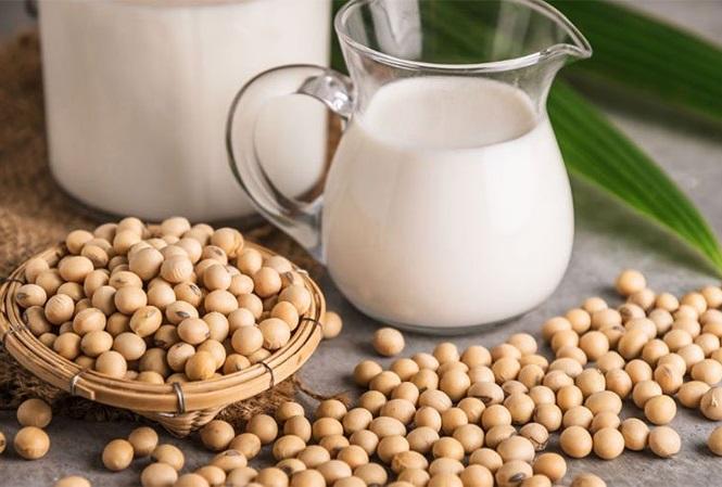 Uống sữa đậu nành theo cách này dễ thành... thuốc độc - 1