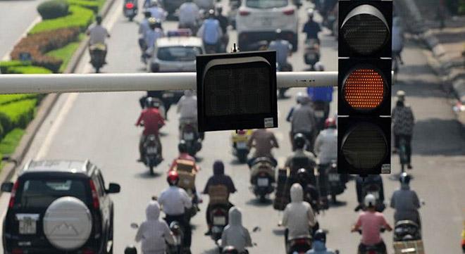 Bạn có biết lỗi vượt đèn đỏ khi rẽ phải có thể bị phạt đến 2 triệu đồng!