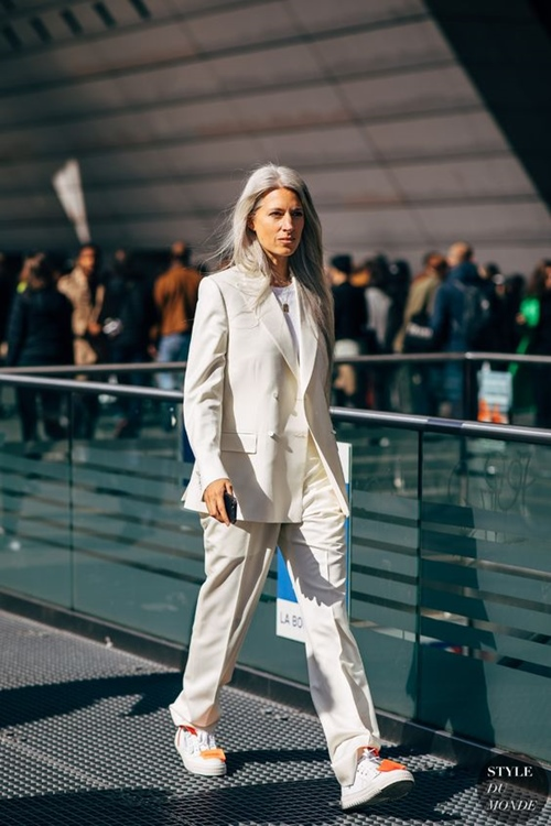 4 lý do nên mặc màu trắng mùa mát - 7