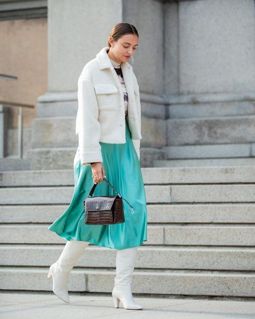 4 lý do nên mặc màu trắng mùa mát - 3