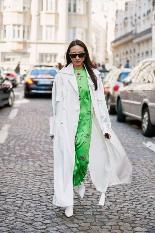 4 lý do nên mặc màu trắng mùa mát - 4