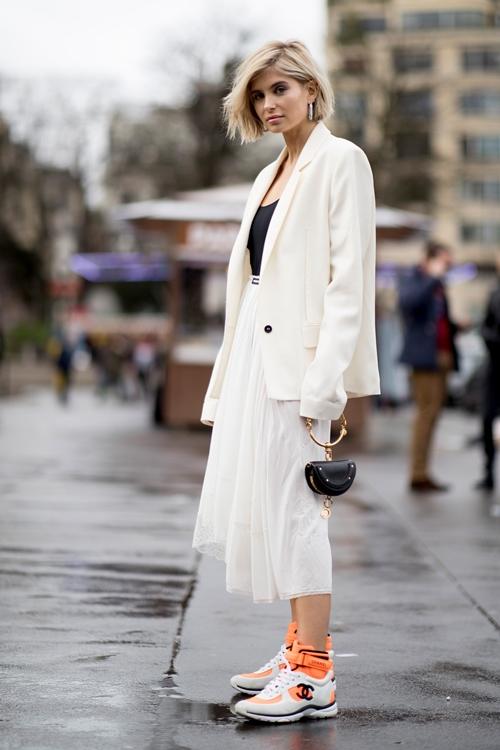 4 lý do nên mặc màu trắng mùa mát - 2