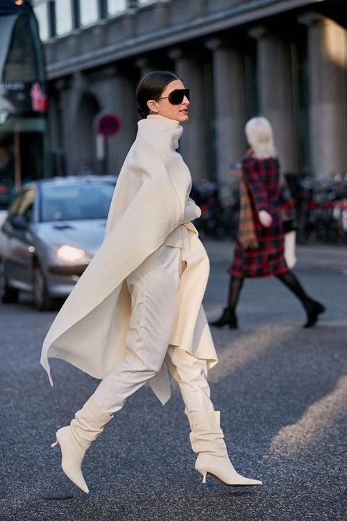 4 lý do nên mặc màu trắng mùa mát - 8