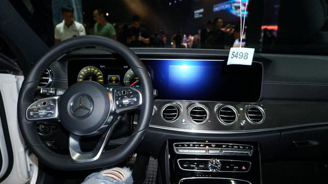Bảng giá xe Mercedes E Class 2019 mới nhất - Mercedes E300 đã quay trở lại! - 4