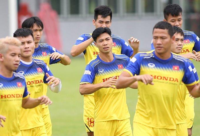 Các cầu thủ Việt Nam cắt những kiểu tóc gì để chuẩn bị thi đấu?