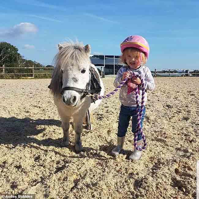 Bị chẩn đoán nhầm là táo bón, cô bé 3 tuổi qua đời vì ung thư - 2