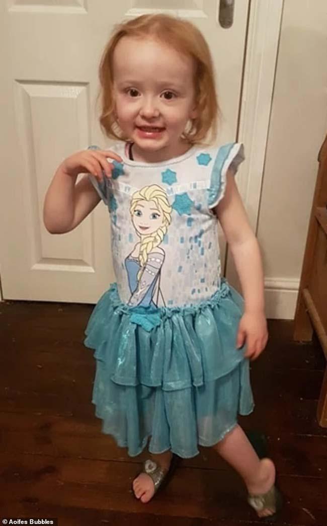Bị chẩn đoán nhầm là táo bón, cô bé 3 tuổi qua đời vì ung thư - 1