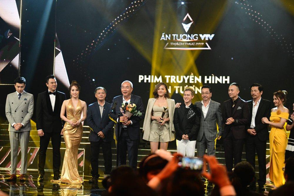 Bảo Thanh ôm Nhã Phương trên sóng trực tiếp VTV, xóa bỏ nghi ngờ mâu thuẫn - 14
