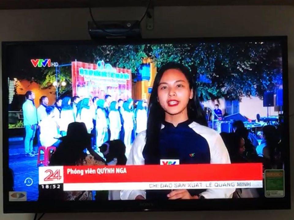 Nữ BTV đài VTV bị nhắc nhở vì trang phục dẫn sóng quá giản dị, đơn sơ - 4