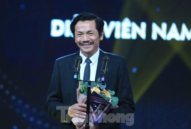 NSND Trung Anh tự thấy may mắn khi nhận giải Nam diễn viên ấn tượng VTV Awards