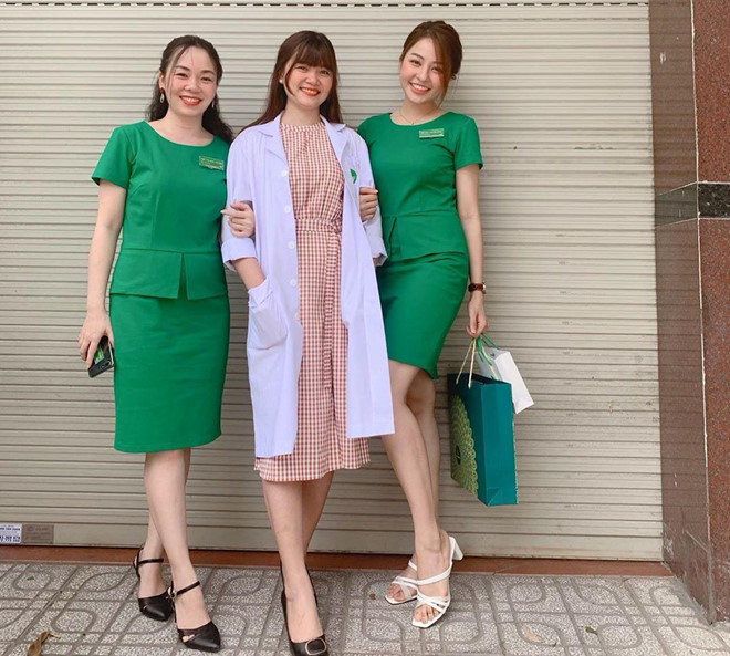 Hot girl Trâm Anh bất ngờ chia sẻ ảnh đi đăng ký hiến tạng - 2