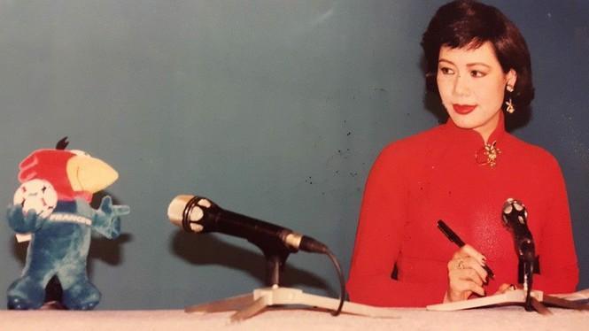 BTV gốc Bắc có giọng đọc huyền thoại, được cho là 'Hoa hậu đài HTV' là ai? - 2