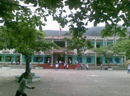 Công an Quảng Ninh thông tin vụ học sinh lớp 3 tử vong sau khi ngã ở trường - 1