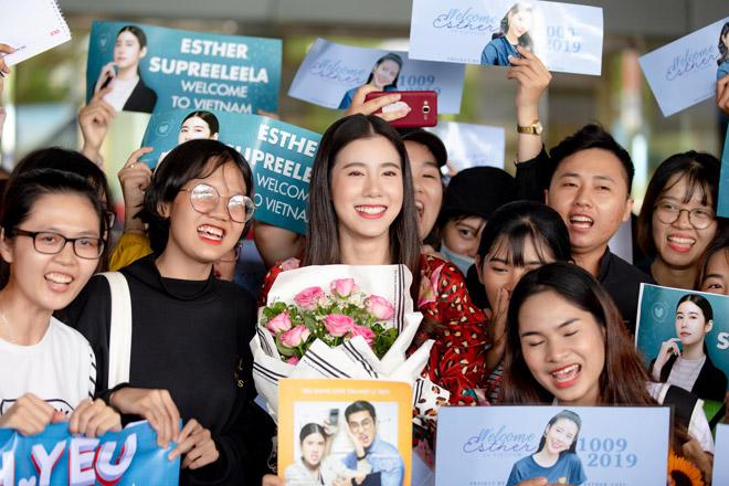 Jun Vũ gợi cảm với đầm sexy, đọ sắc nữ hoàng phim Thái