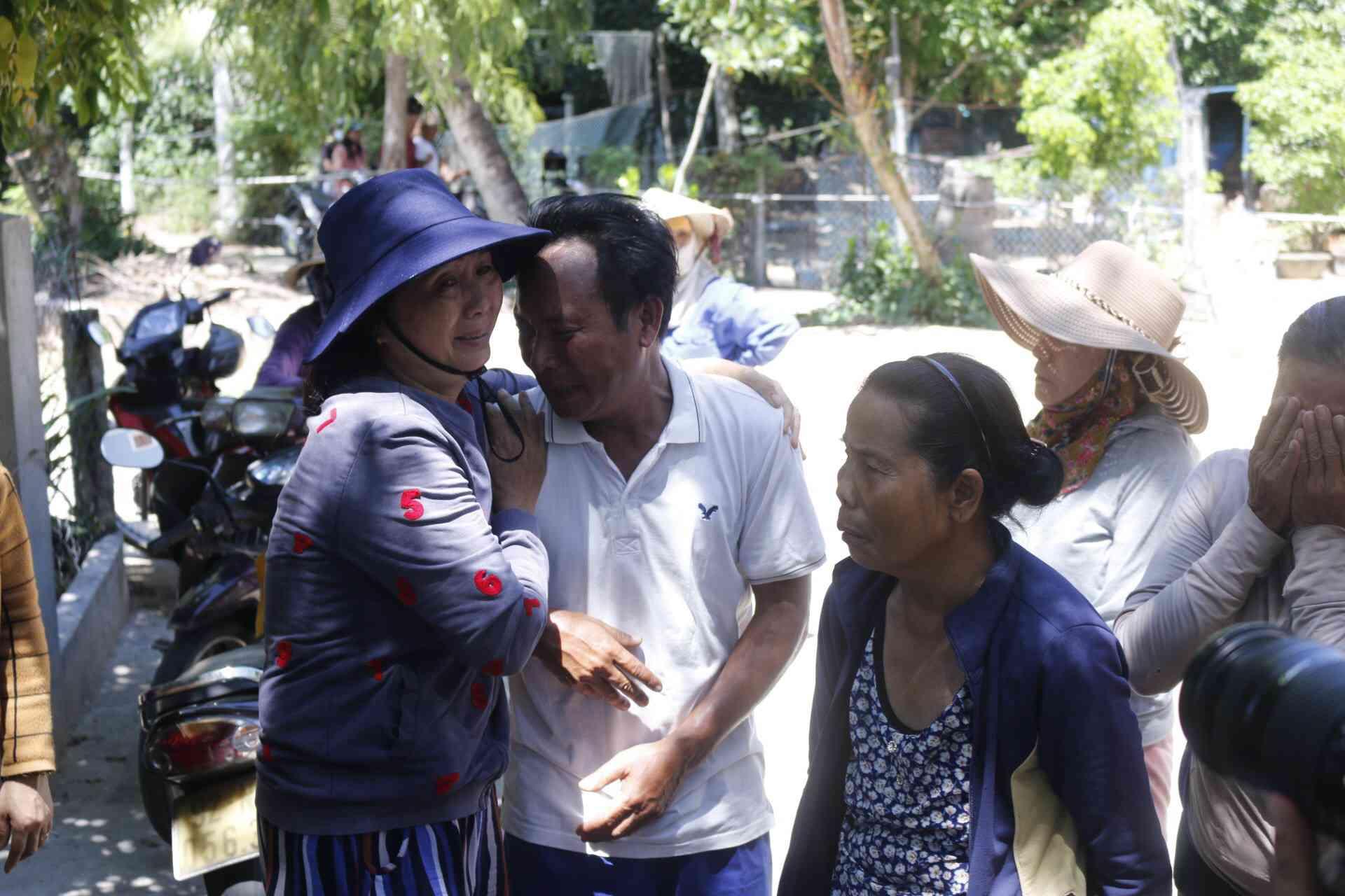 Ly kỳ chuyện cá heo chỉ đường cứu 41 ngư dân Quảng Nam thoát chết - 2