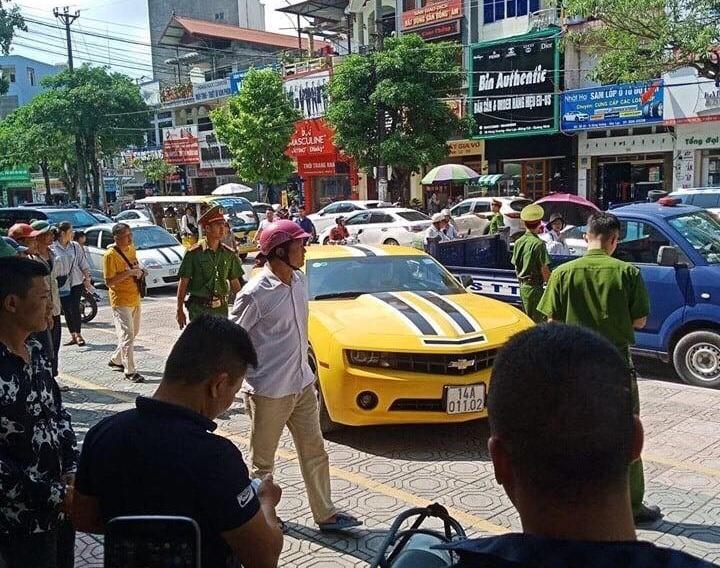 """Chủ nhân """"xế sang"""" bị CSGT Quảng Ninh dùng súng AK đập cửa, bắt giữ là ai? - 1"""