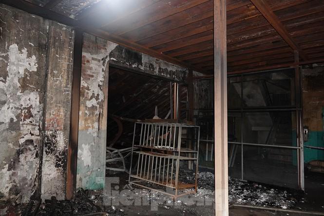 Hình ảnh hiếm hoi trong tầng 2 nhà kho Rạng Đông chưa được công bố - 1