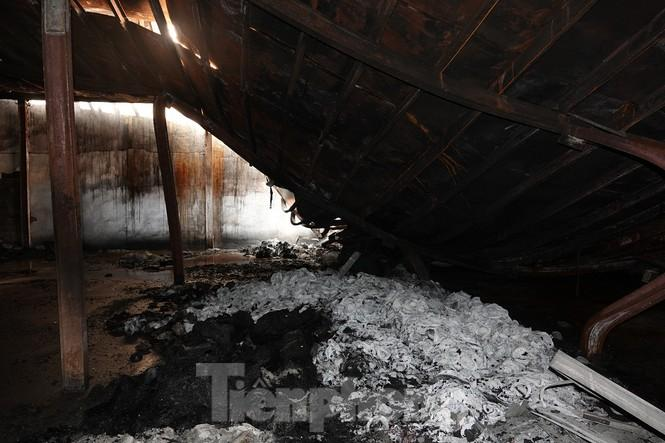 Hình ảnh hiếm hoi trong tầng 2 nhà kho Rạng Đông chưa được công bố - 11