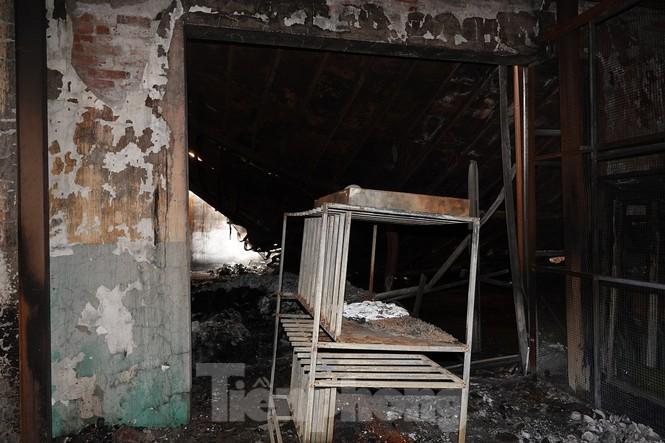 Hình ảnh hiếm hoi trong tầng 2 nhà kho Rạng Đông chưa được công bố - 12