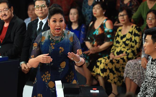 Vì sao NSND Hồng Vân ra Hà Nội diễn bị khán giả phản ứng khủng khiếp và tẩy chay? - 1