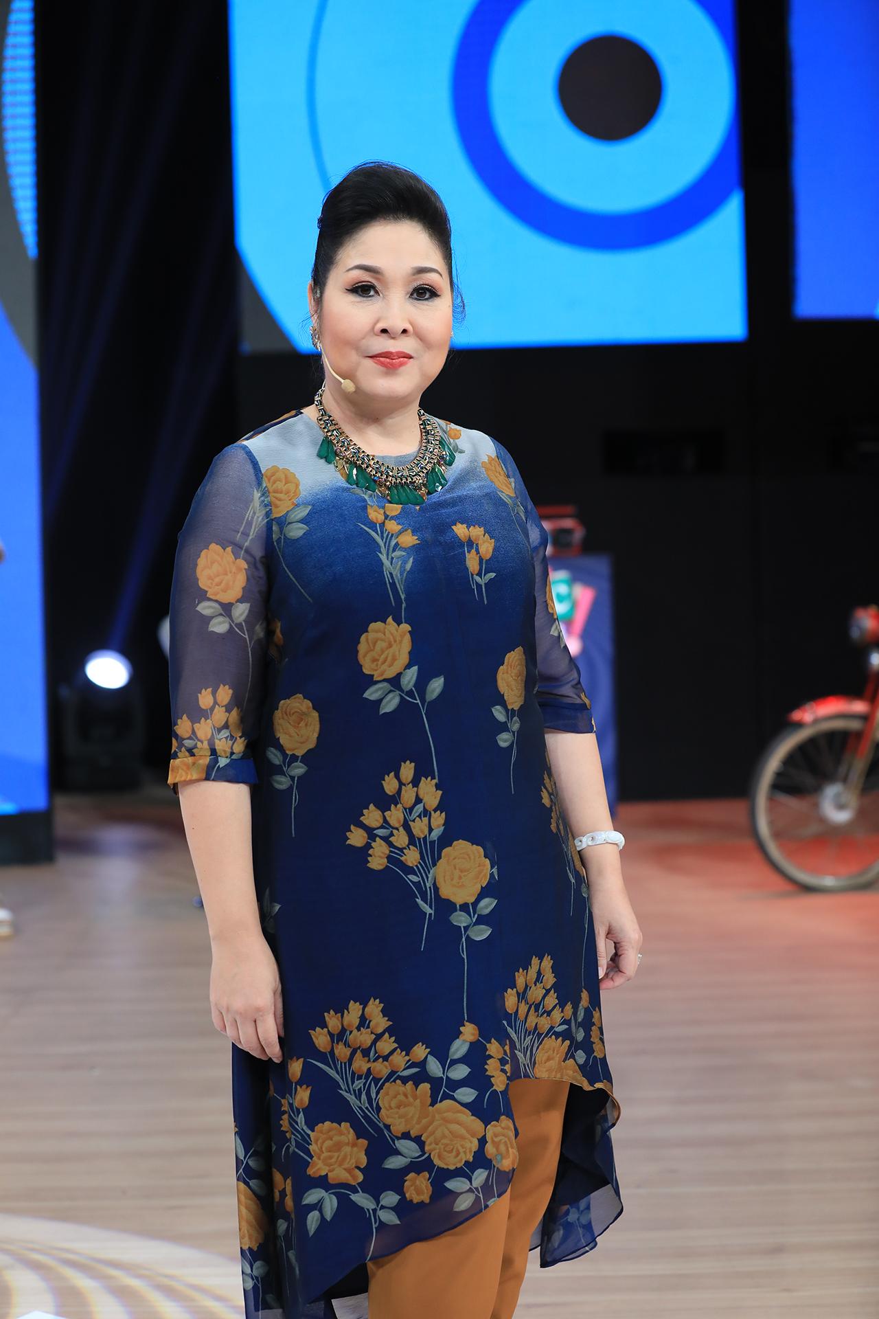 Vì sao NSND Hồng Vân ra Hà Nội diễn bị khán giả phản ứng khủng khiếp và tẩy chay? - 3