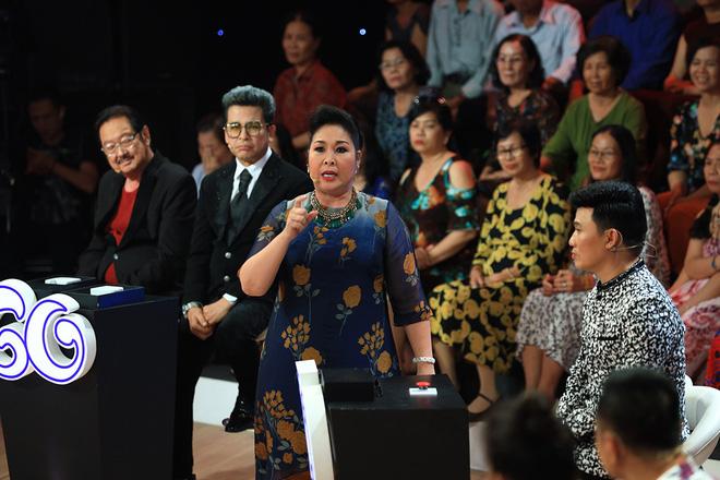 Vì sao NSND Hồng Vân ra Hà Nội diễn bị khán giả phản ứng khủng khiếp và tẩy chay? - 2