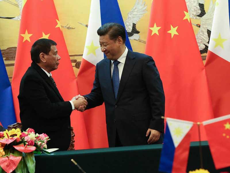 Biển Đông: Trung Quốc lôi kéo Philippines đi nước cờ nguy hiểm - 1