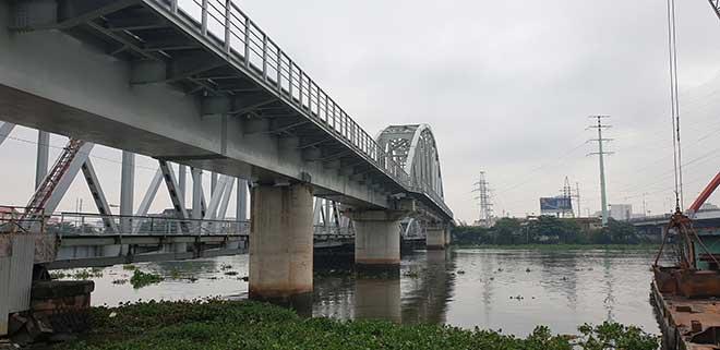Chuyến tàu cuối cùng chạy trên cầu đường sắt gần 120 tuổi ở Sài Gòn - 6