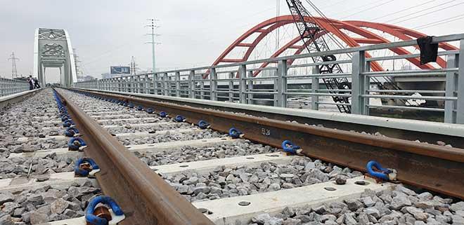Chuyến tàu cuối cùng chạy trên cầu đường sắt gần 120 tuổi ở Sài Gòn - 8